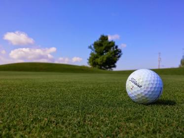 アマチュアのゴルフはもっと自由に、そして考え方を変えるだけでスコアアップへの道は開ける!